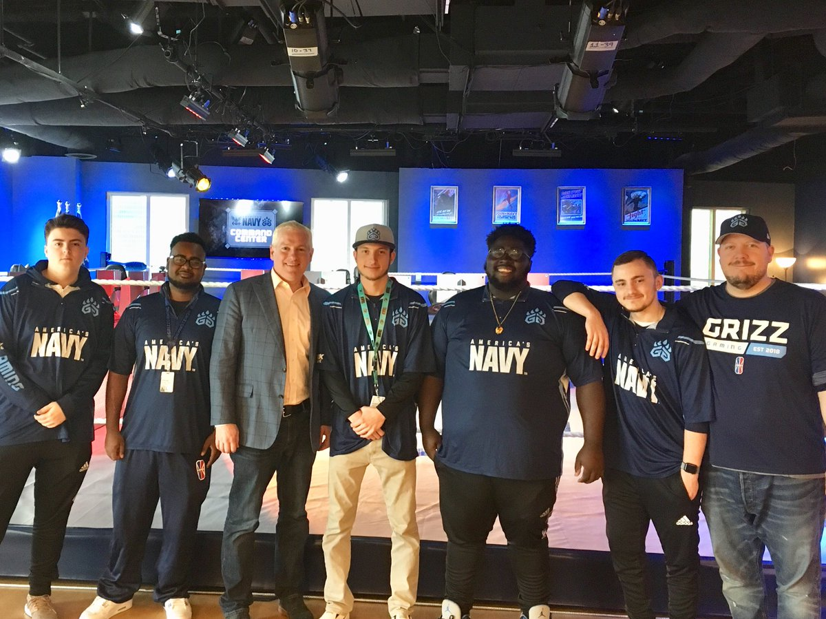 .@2KLeagueMD made a trip to Memphis to see the world class @GrizzGaming practice facility (and sample the famous Memphis BBQ!) 🍗 #PressStart