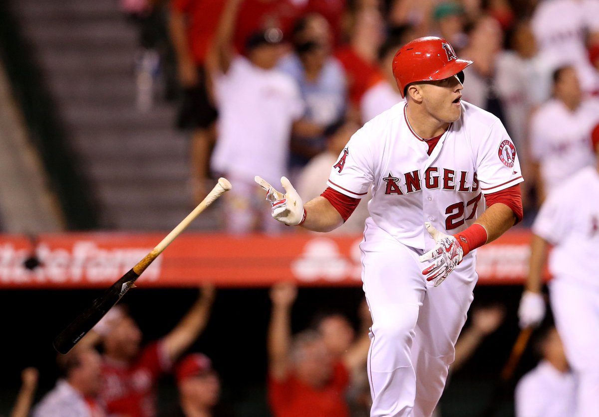 ON NOW: Mike Trout is taking baseball by storm once again and will bat second tonight as the Los Angeles @Angels welcome the Arizona @Dbacks to town.   Viewers can catch all the action LIVE on TSN1, TSN3 and https://t.co/XalW2j4LtU.