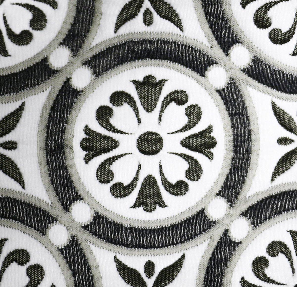 La bella textura de nuestro #JacquardTommy tiene orígenes árabes, específicamente de #Marruecos. Cuéntanos que se te ocurre tapizar con ella.  #ImaginaTodoloquePuedesCrear #Crealo #Diseñalo #Imagínalo