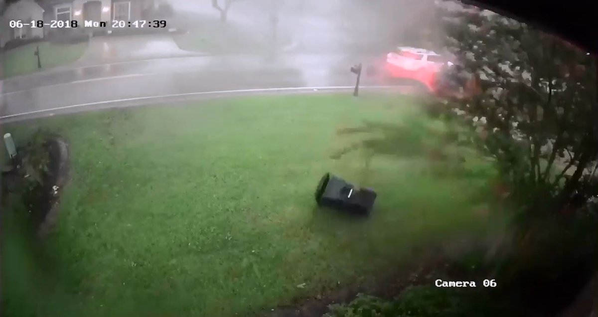 #WATCH: Home security camera captures tornado moving through Gonzales Monday morning https://t.co/FT3LEtpMoG
