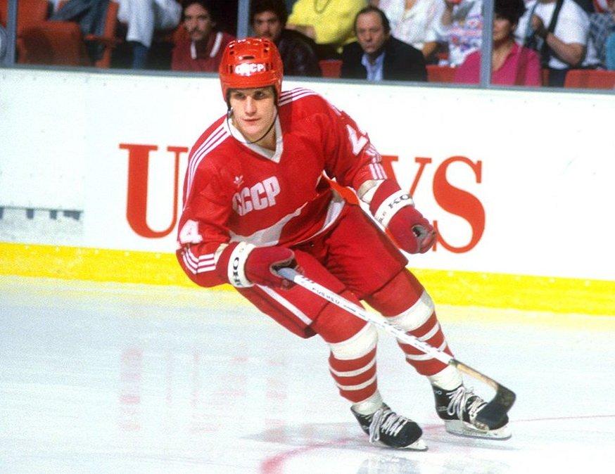 Макаров — хоккеист, причём в третьем поколении.