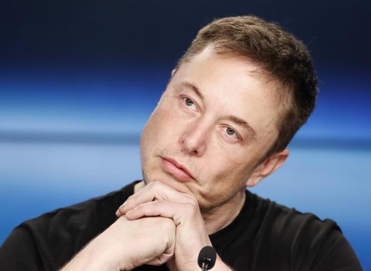 CEO Musk emails staff alleging employee 'sabotage' https://t.co/ZBENndW7J3 https://t.co/EhzjHWd7tm