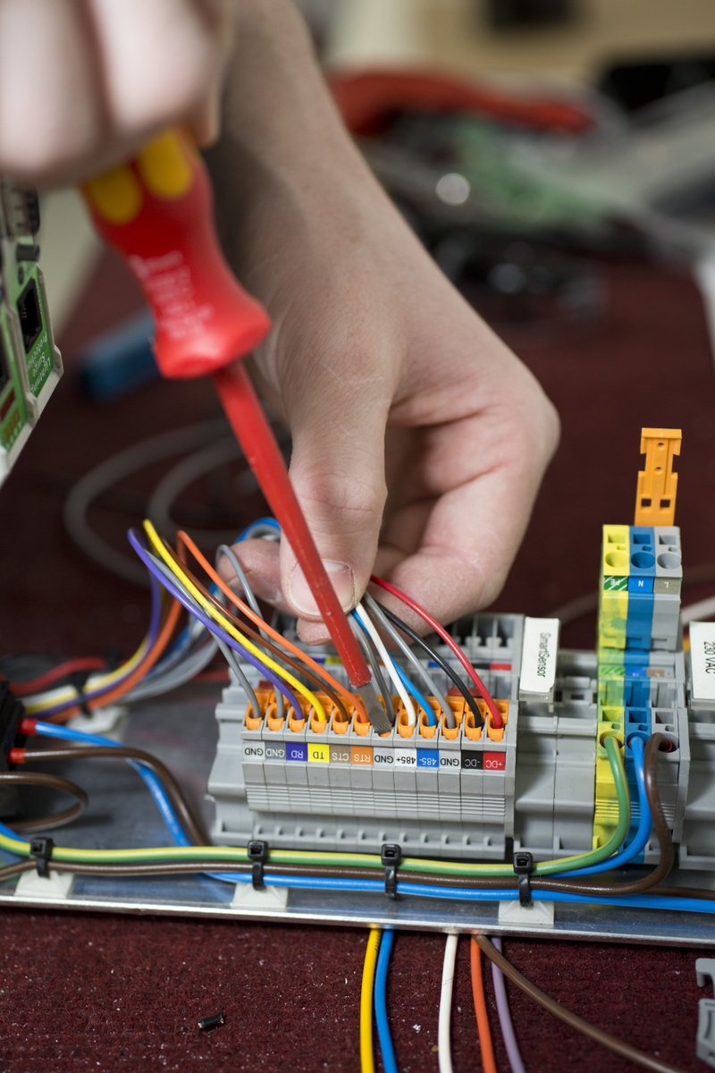 Iac Group On Twitter Are Looking For Candidates Interested In Electrical Wiring Salary With A Competitive Full Training And Support Along The Opportunity To Build Career Engineering Find Out More Apply