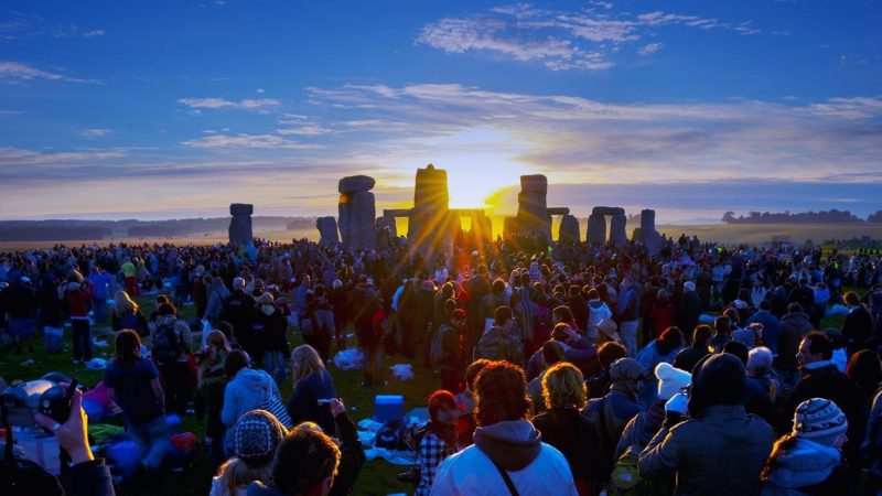 #MotherEarth &amp; Beyond:  Why do people gather at #Stonehenge in #England on the #SummerSolstice?   https:// bit.ly/1XyWOuC  &nbsp;  <br>http://pic.twitter.com/QpENY3EIiY