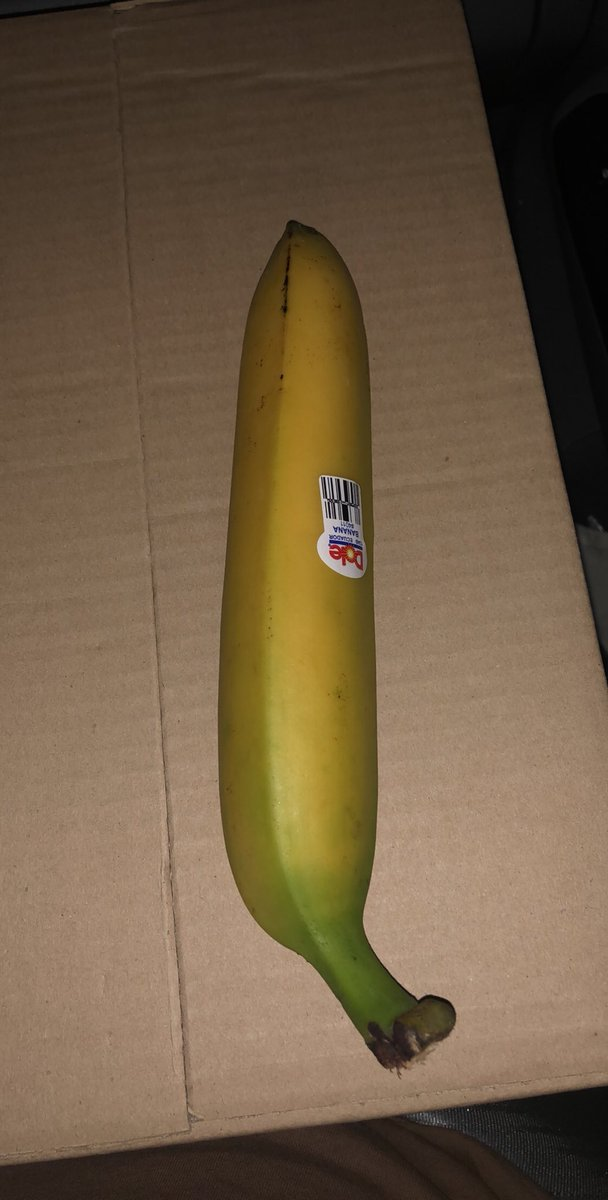 Y'all this the straightest banana I've ever seen lol RT for good luck