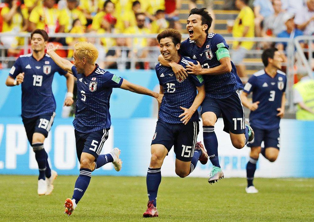 サッカーW杯の日本―コロンビア戦が終了、日本は2-1で初戦を白星で飾りました。(写真=AP) 【ビジュアルブログ】 https://t.co/fbTpNaplcQ 【試合詳細】 https://t.co/4WEeEGYhq7  #worldcup2018_nikkei