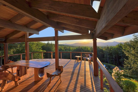 "A ""megadeck"" transformed this custom home and takes full advantage of the stunning view. https://t.co/Ed1Ly94i13 #sponsored https://t.co/hbKCjIPCUM"