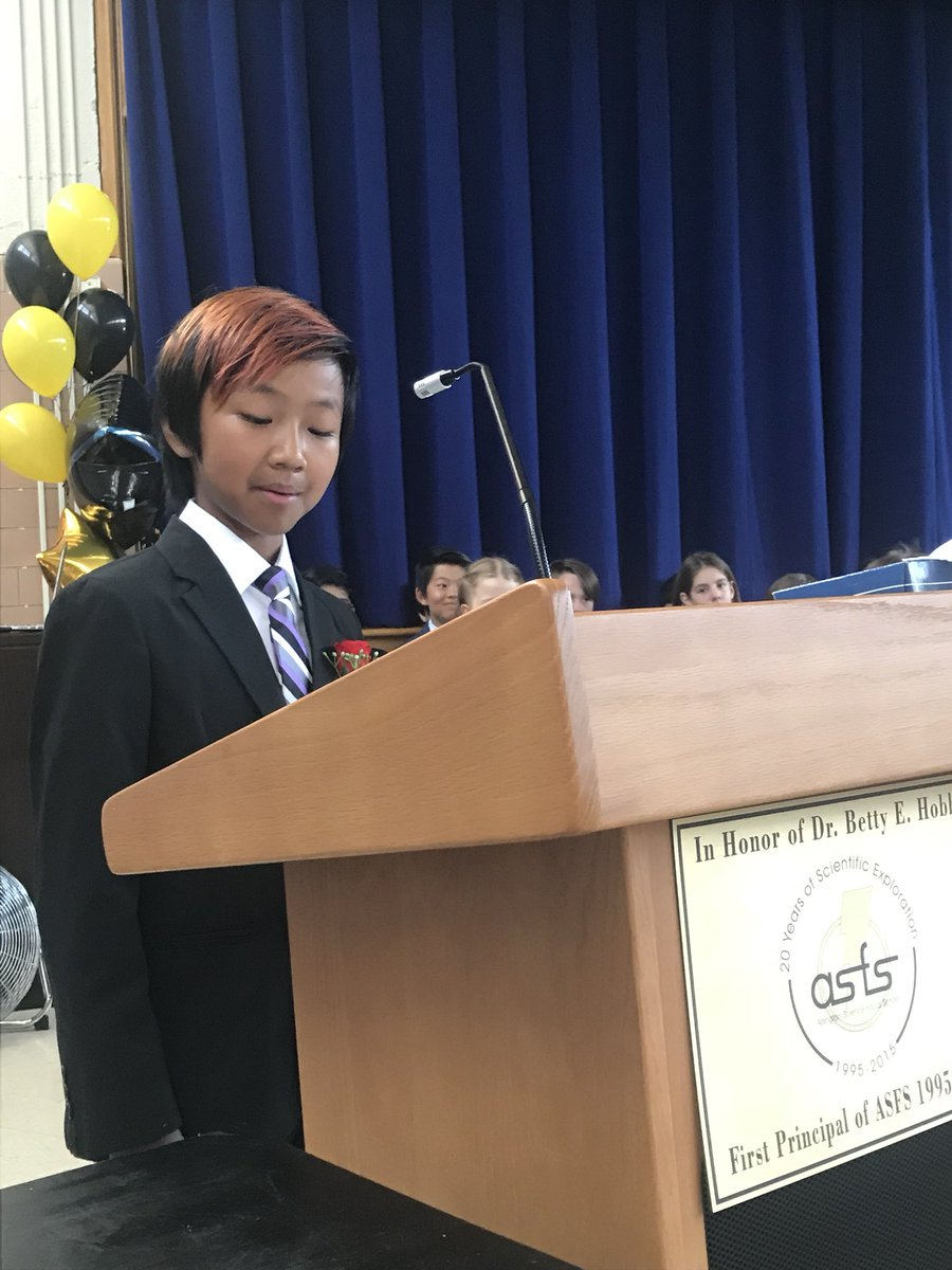 Going on now! 5th grade promotion! <a target='_blank' href='http://search.twitter.com/search?q=APSGrad2018'><a target='_blank' href='https://twitter.com/hashtag/APSGrad2018?src=hash'>#APSGrad2018</a></a> <a target='_blank' href='https://t.co/yvio2Muzoa'>https://t.co/yvio2Muzoa</a>