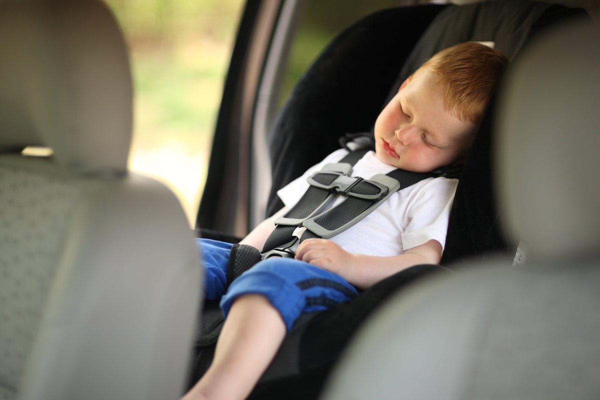Картинки по запросу sleeping baby in the car