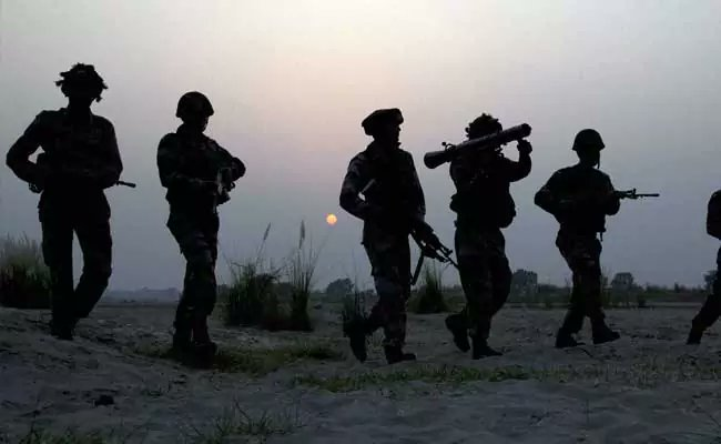 2 JeM terrorists killed in encounter in Pulwama https://t.co/tI1VeaIPFu https://t.co/TBpK5SYE6T