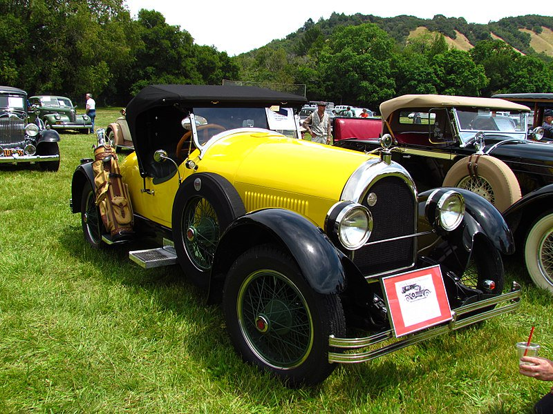 #transportationtuesday feat. the 1924 Kissel Gold Bug. The Kissel Motor Company was founded in Hartford, WI with a sales office in Chicago. This car was popular with celebrities like Amelia Earheart and Greta Garbo. Photo by David Berry. #car #artdeco #vintage #vintagecar #kissel
