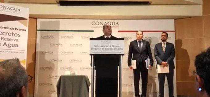 El de @conagua_mx @RobRmzdelaParra en #ConferenciaDePrensa sobre Decretos de Reserva de agua. ¡ Síguela! En: Foto