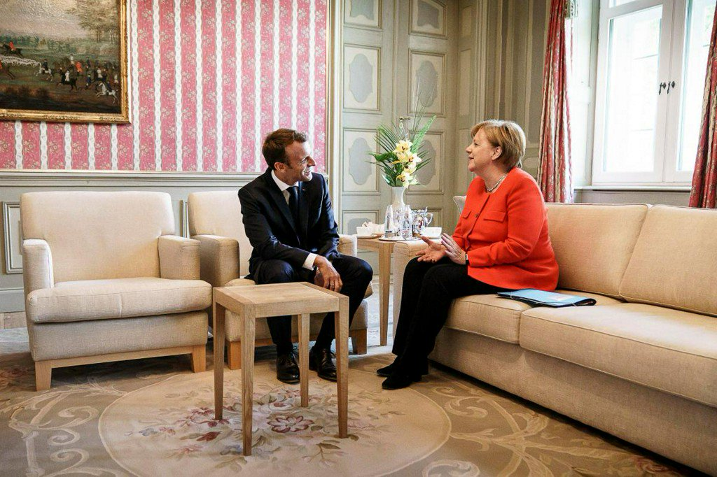 Merkel, Macron back euro zone budget in 'new chapter' for bloc https://t.co/s6D8VF52Mj https://t.co/7MAghmHRkN