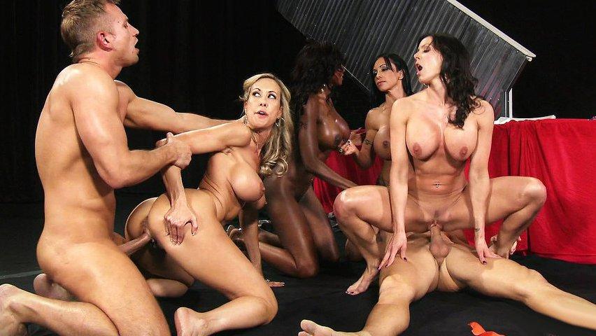 девушка соревнования группового секса жанры это порно