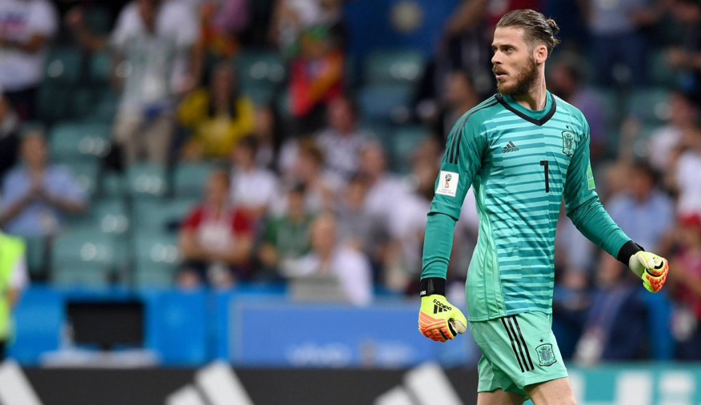 """De Gea go start against Iran, na one of the best keepers wey dey this world."" – Spain coach Fernando Hierro  http:// manutdinpidgin.com/2018/06/19/de- gea-go-start-against-iran-na-one-of-the-best-keepers-wey-dey-this-world-spain-coach-fernando-hierro/ &nbsp; … <br>http://pic.twitter.com/7xn9vFabww"