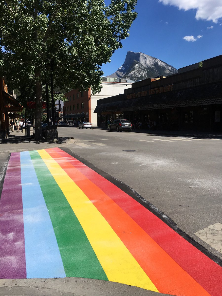 Come do a stride of Pride on Banff's brand new permanent rainbow crosswalk!  <br>http://pic.twitter.com/Men4uNMaFe