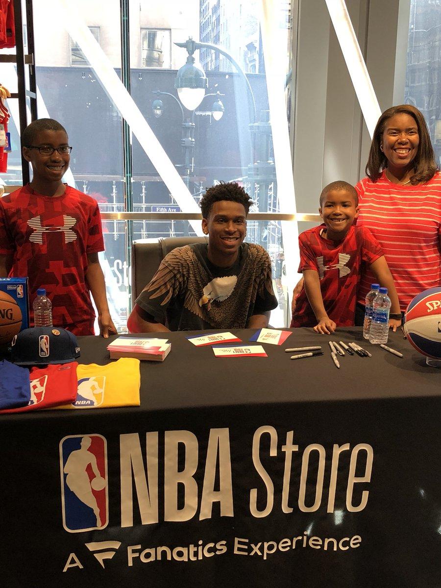 #NBADraft prospect @shaiglalex makes some new friends at the @NBASTORE!