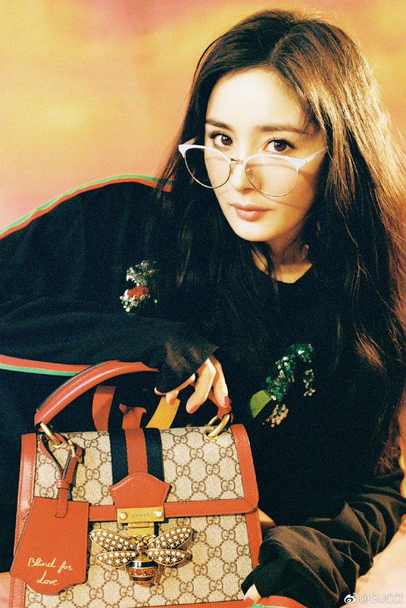 5c5cd5dbb Yang Mi models @gucci's Queen Margaret GG small top handle bag. #YangMi  #杨幂pic.twitter.com/tbu4nzqvwI
