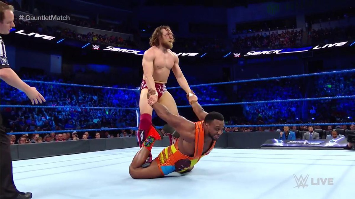Just in case you thought @WWEDanielBryan would be the underdog in this matchup... #SDLive #GauntletMatch