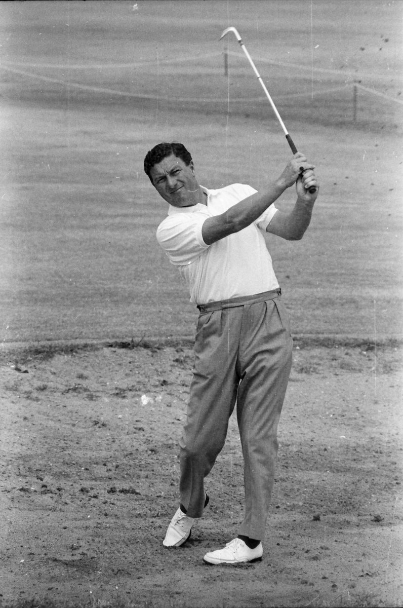 BREAKING | Vale Peter Thomson  Australia's greatest golfer has passed away, aged 88.  Thomson was the first Aussie to win the British Open, a tournament he won five times.  He had suffered from Parkinson's disease for the past four years.