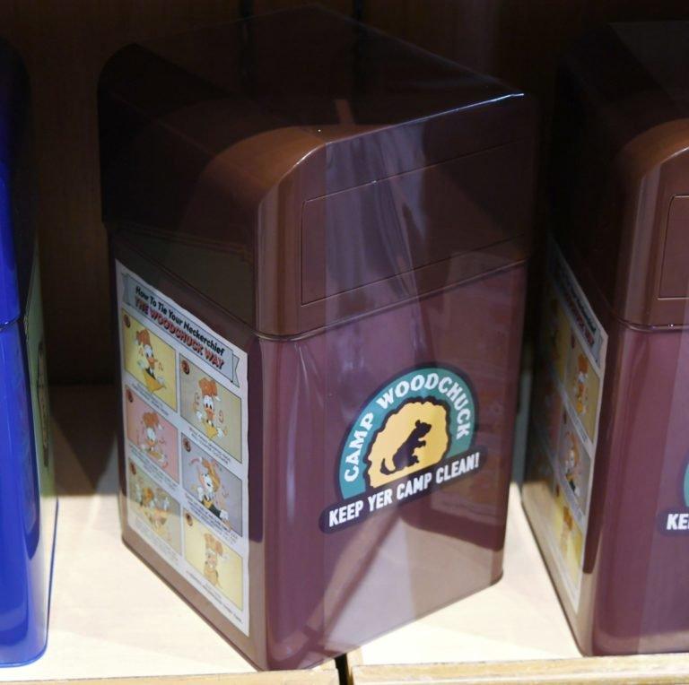 話題のトラッシュカンデザイン! 東京ディズニーリゾート ゴミ箱・小物入れ本日発売 キャンプ・ウッドチャックエリアとアメリカンウォーターフロントエリアの2種類です☆ 詳しくは→