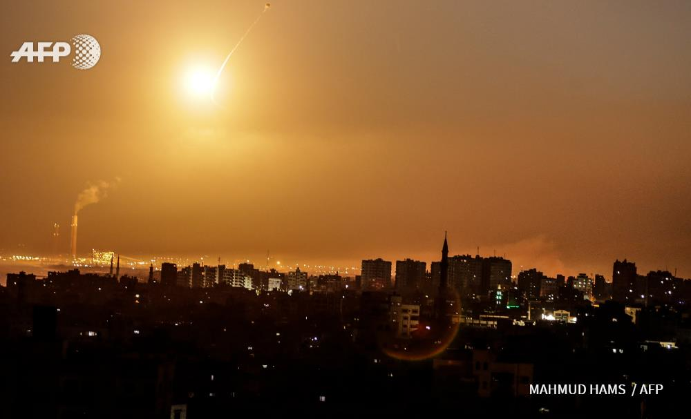 PHOTOS: Iron Dome interceptions over Southern Israel early this morning. Israeli jets struck a total of 25 Hamas sites in Gaza overnight. Hamas has   launched over 30 rockets. Escalations continue till this moment.