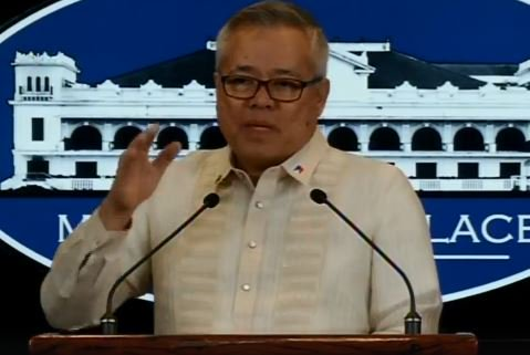 NOW: Palace holds press briefing.  WATCH: https://t.co/nE8vT7bDdZ