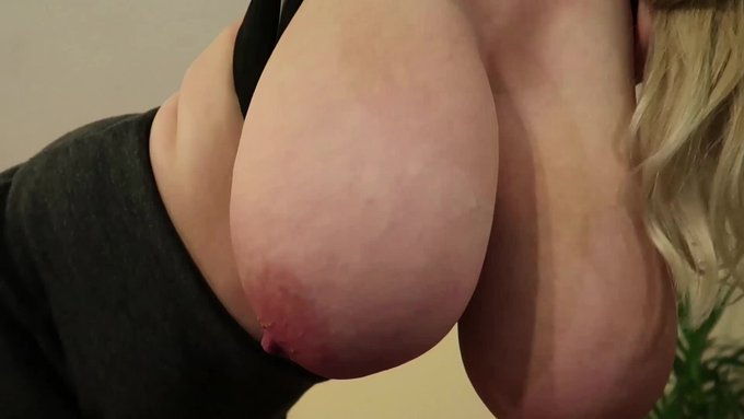 Just sold! Bouncing Boobs https://t.co/cKIUNj8UtY #ManyVids https://t.co/tp28WQfTlE