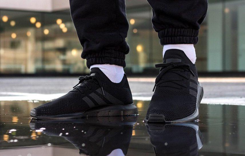 4b857cca2f8b7 Sneaker Deals GB on Twitter