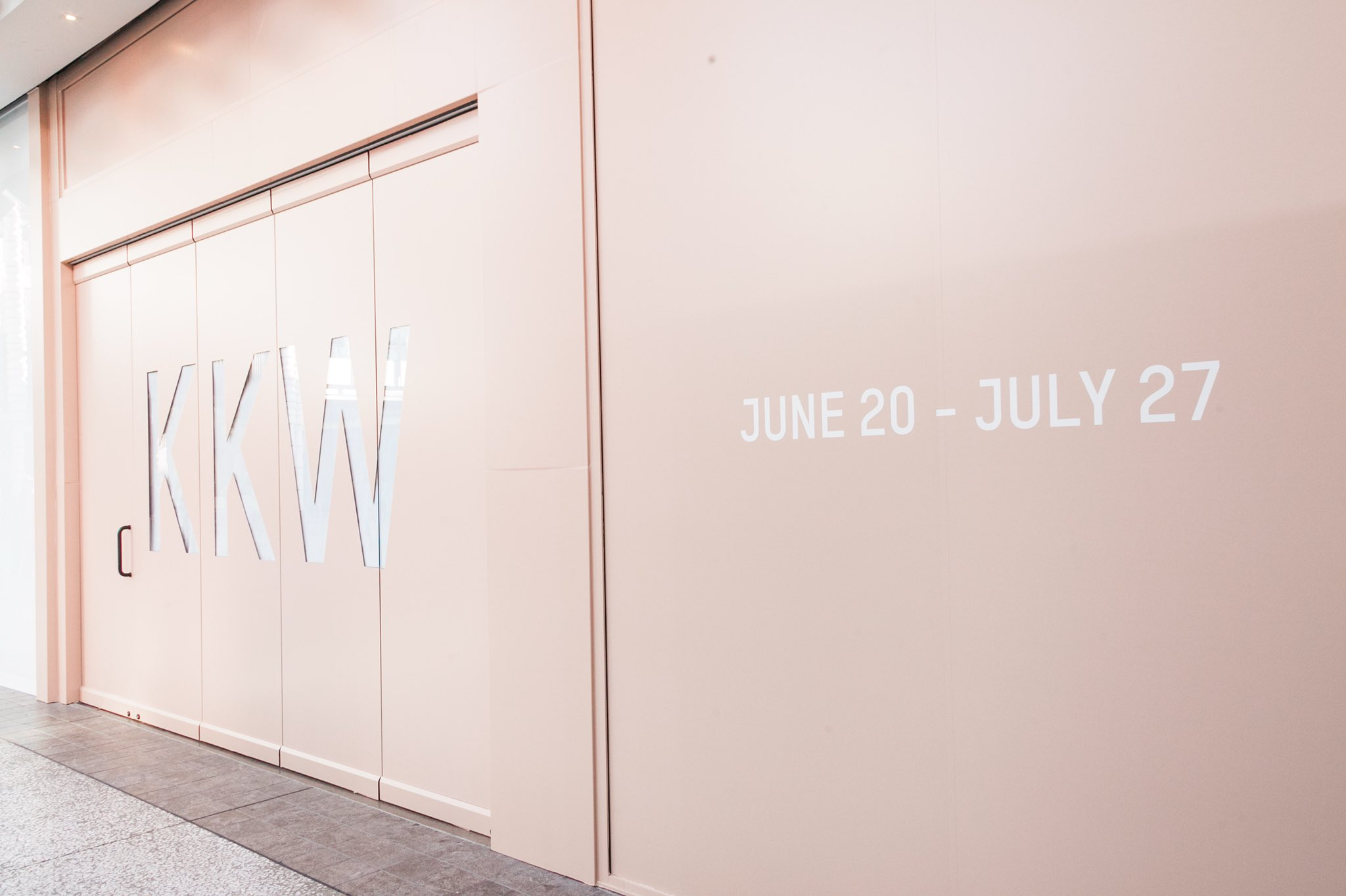KKW BEAUTY POP-UP OPENS TOMORROW, JUNE 20 @ 10AM PST AT WESTFIELD CENTURY CITY IN LOS ANGELES ❤️ https://t.co/ryXtzxPF0X