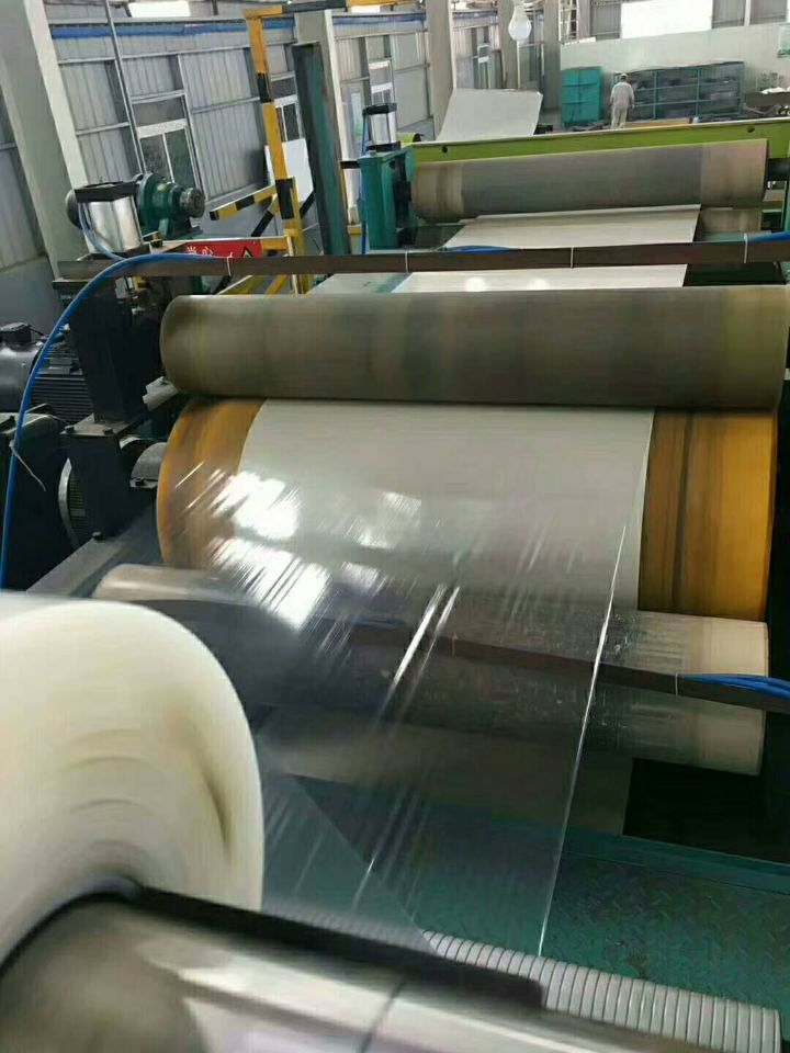 PPGI/PPGL,prepainted steel coil,color coated steel coil surface:plastic film  Skype: jina1201 WhatsApp: 0086-15053230960 Email:tina@qdhcsteel.com