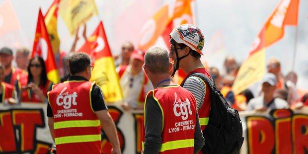 SNCF : seuls la CGT Cheminots et Sud-Rail veulent continuer la grève en juillet https://t.co/cgpzzhrUw7