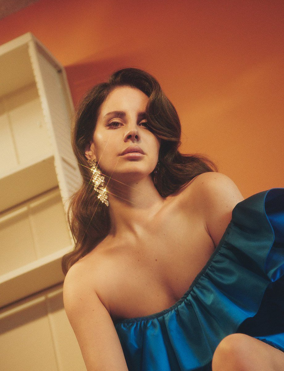 Happy birthday @LanaDelRey 🌹  Photography by Charlotte Wales Fashion by Robbie Spencer  Taken from the spring/summer 2017 issue of Dazed.