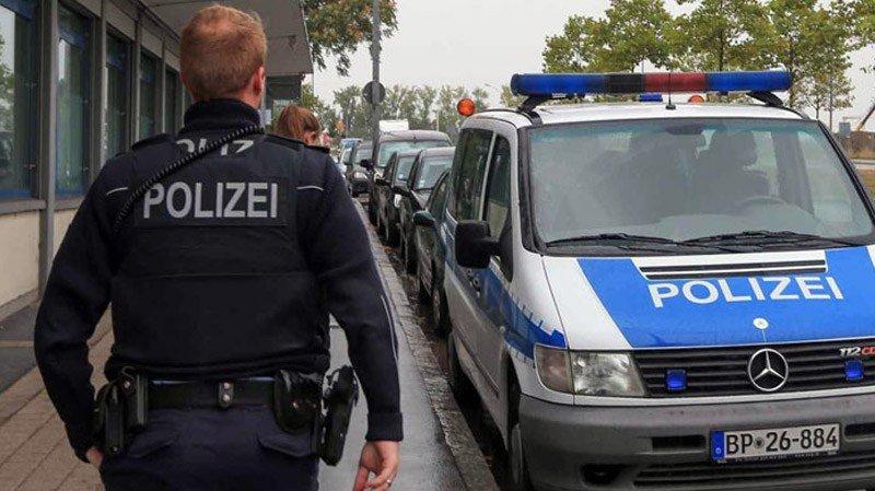 DIRECT 🇩🇪 L'Allemagne annonce avoir déjoué un attentat à la bombe à la ricine. https://t.co/Pjj8wG9TeR
