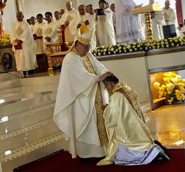 Congratulations &amp; Blessings to Bishop Aseo. #filipino #CatholicTwitter  https://www. facebook.com/50071043341238 7/posts/1008551542628271/ &nbsp; … <br>http://pic.twitter.com/a5SRwXt2Vf
