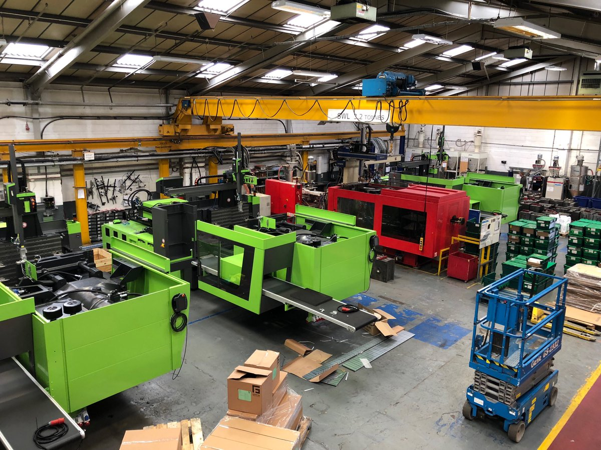 3 new #ENGEL IMMs being installed in our #Loughborough facility. They join our other new ENGEL and #NegriBossi machines delivered earlier. #moulding #ukmfg #plastic #BPF<br>http://pic.twitter.com/ZWePuiv2Zh