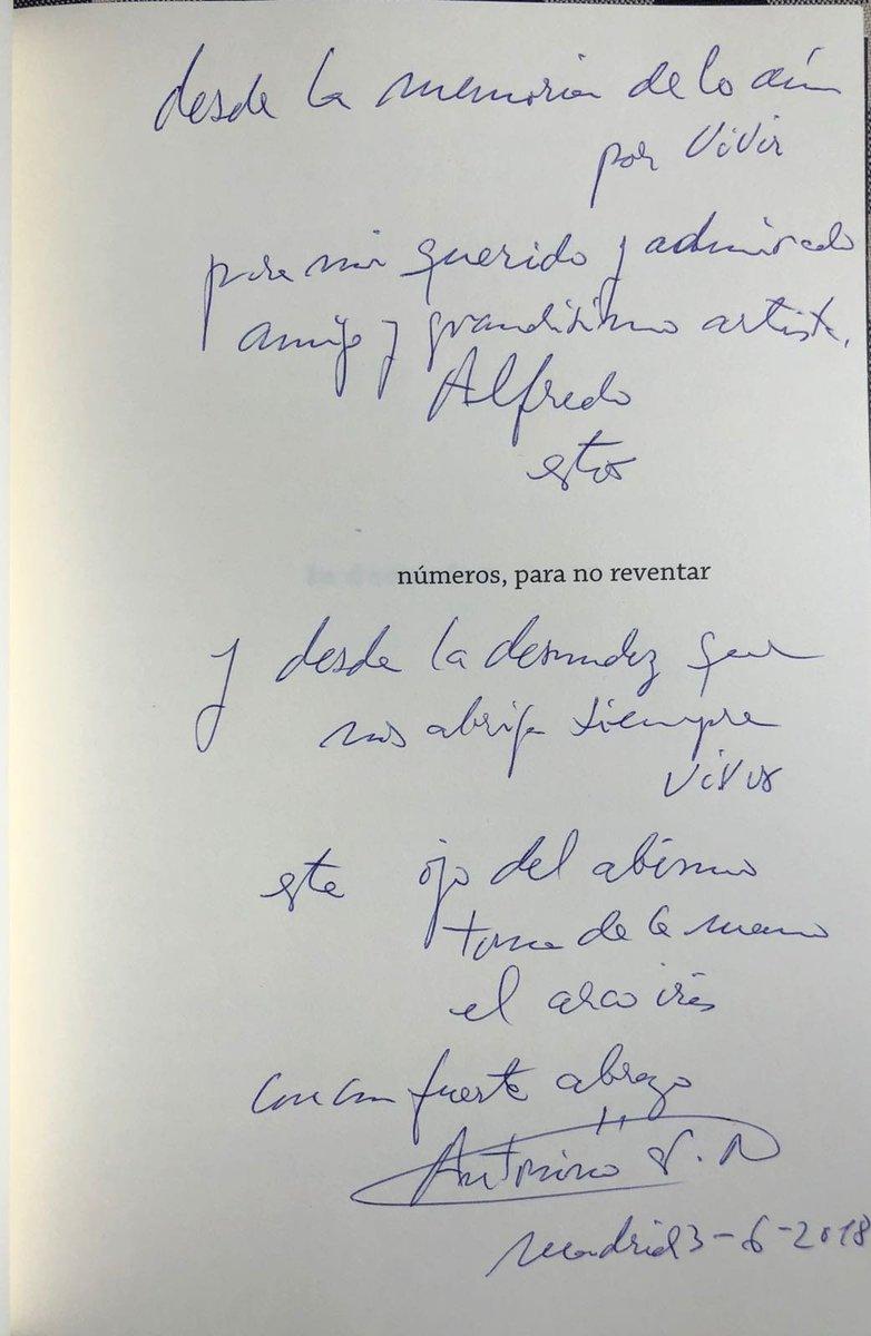 Agradezco públicamente al gran escritor y amigo Antonino Nieto por sus bonitas palabras en esta dedicatoria de su libro 'El ojo del abismo toma de la mano el arco iris'. Leerte ha sido un auténtico placer, como siempre. Enhorabuena y gracias de nuevo. @LaberintoAres