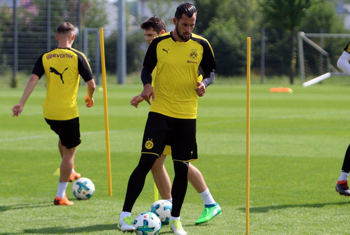 Eric #Oelschlägel wird neuer dritter Torhüter des #BVB. Der 22-Jährige unterschreibt in #Dortmund einen Vertrag bis zum 30. Juni 2019. (Fotos: @RN_Florian)