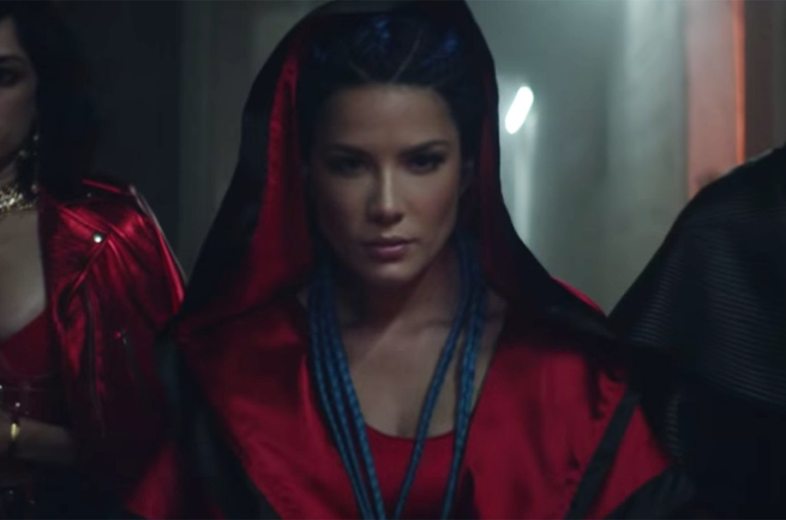 .@Halsey fights for love with @LaurenJauregui in tense 'Strangers' video https://t.co/PyNcisnQn6 https://t.co/pEVTdbjuDM
