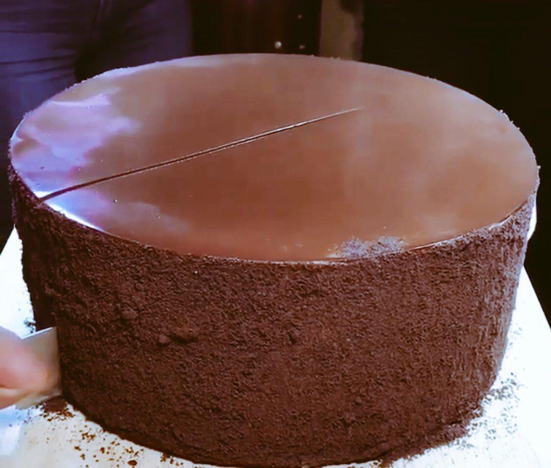 Hoy en @Grafocafe pastel de chocolate ilimitado!! Campeche 228 col condesa https://t.co/6XQaNl9gHn