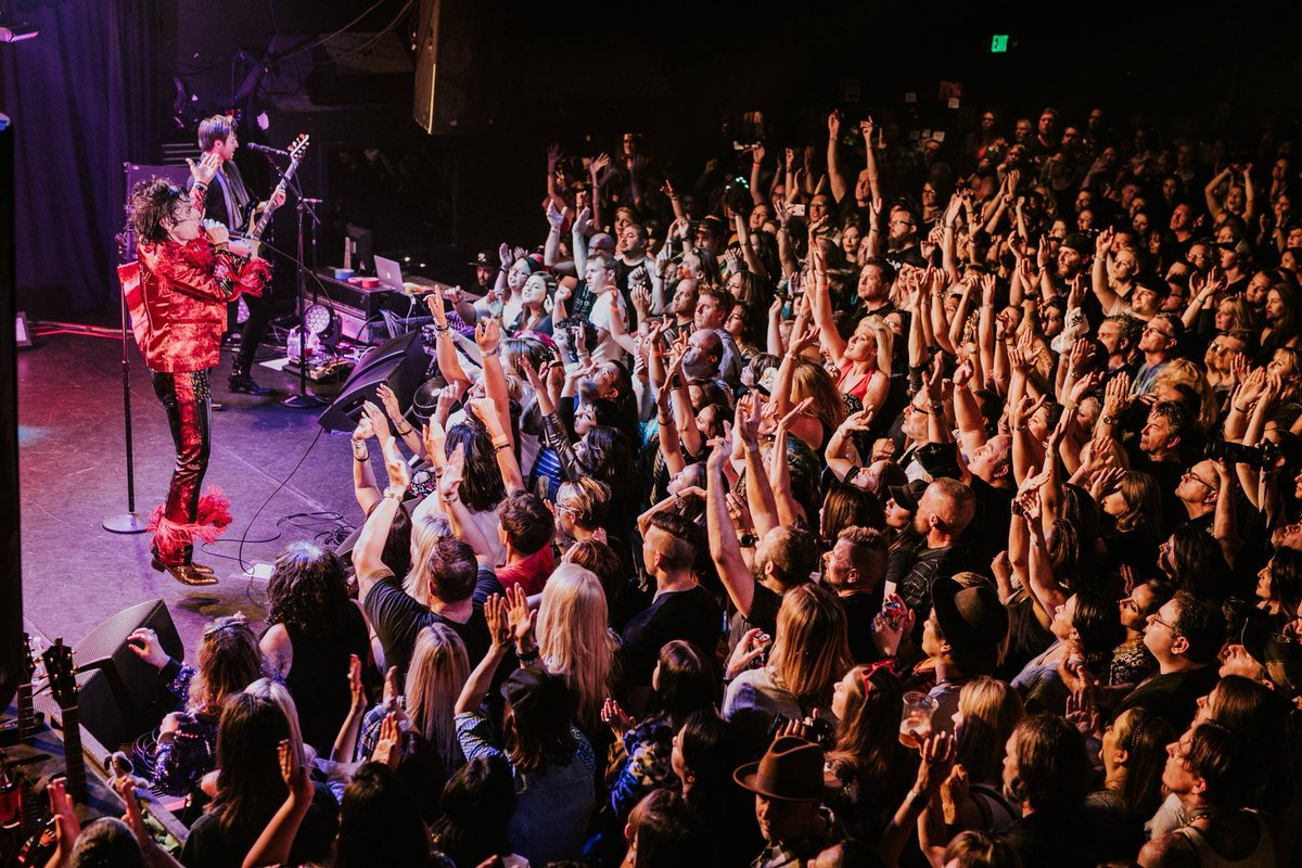 THE STRUTS have opened for The Rolling Stones, Foo Fighters and Motley Crue. See their ridiculously fun live show in the Musikfest Cafe pres. by Yuengling on 7/10! Info: buff.ly/2ln7MFt