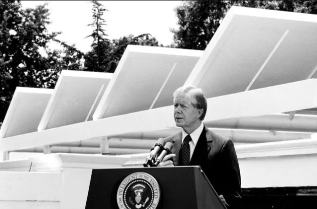 #OnThisDay in 1979, Jimmy Carter unveiled solar panels atop the White House