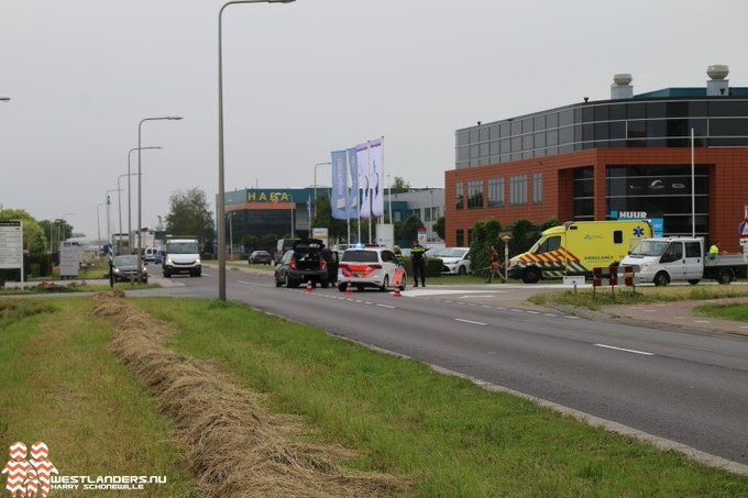 Automobilist gewond bij ongeluk Coldenhovelaan (update) https://t.co/ZK2jYasFeK https://t.co/MtZwQ0d0yN