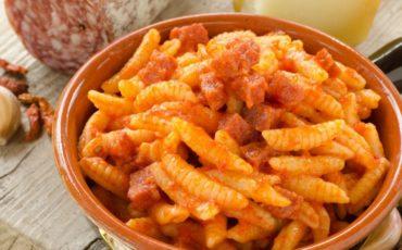 Sardinian cuisine, identity and flavour via @SardegnaTurismo goo.gl/arbWF6 #travel #food #Sardinia #Italy #beautyfromitaly