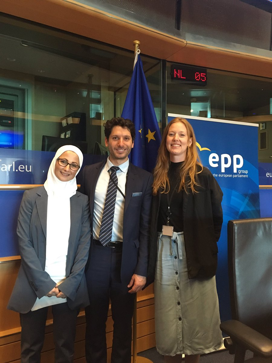 Great to have dedicated a special event today on #WorldRefugeesDay on the challenges the #EU is facing to prevent & eradicate #childmarriage around the world. Law is not enough, it is important to work w. communities, religious leaders & families to change mentality & attitudes!