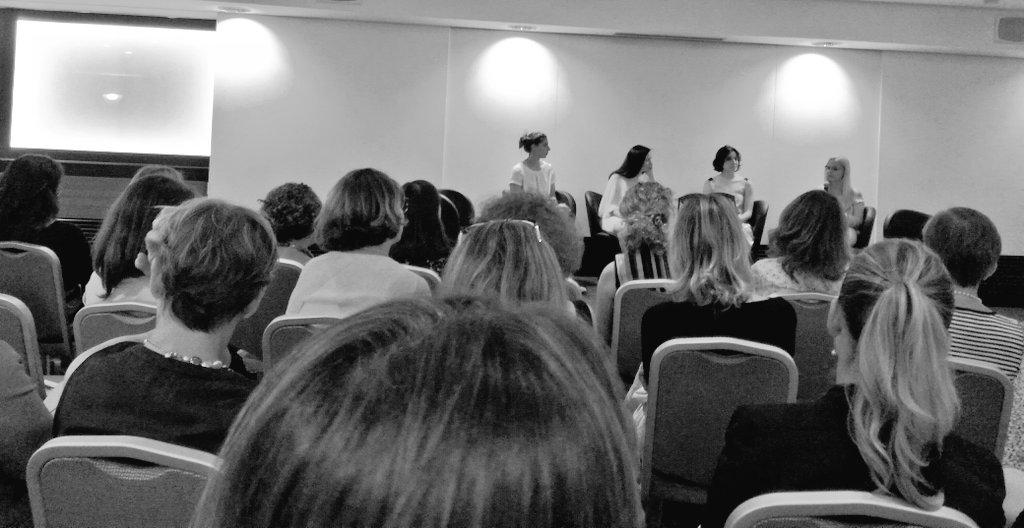 La serata dedicata al #networking tra associazioni femminili, promossa da @PWN_Milan, parte con una tavola rotonda incentrata su #donne e #sport, condotta da @Monica_Dascenzo di @AlleyOop24! Con @MartaGasparotto @TamaraMolinaro #AnnettaFerrari.  - Ukustom