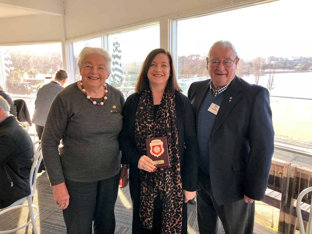 A great privilege this morning to see Rachel Gurney, CGS Events Manager, honoured by Canberra Rotary Club with the prestigious Pride of Workmanship Award, for her exceptional service to our community. With congratulations and the gratitude of all at @CanberraGrammar.