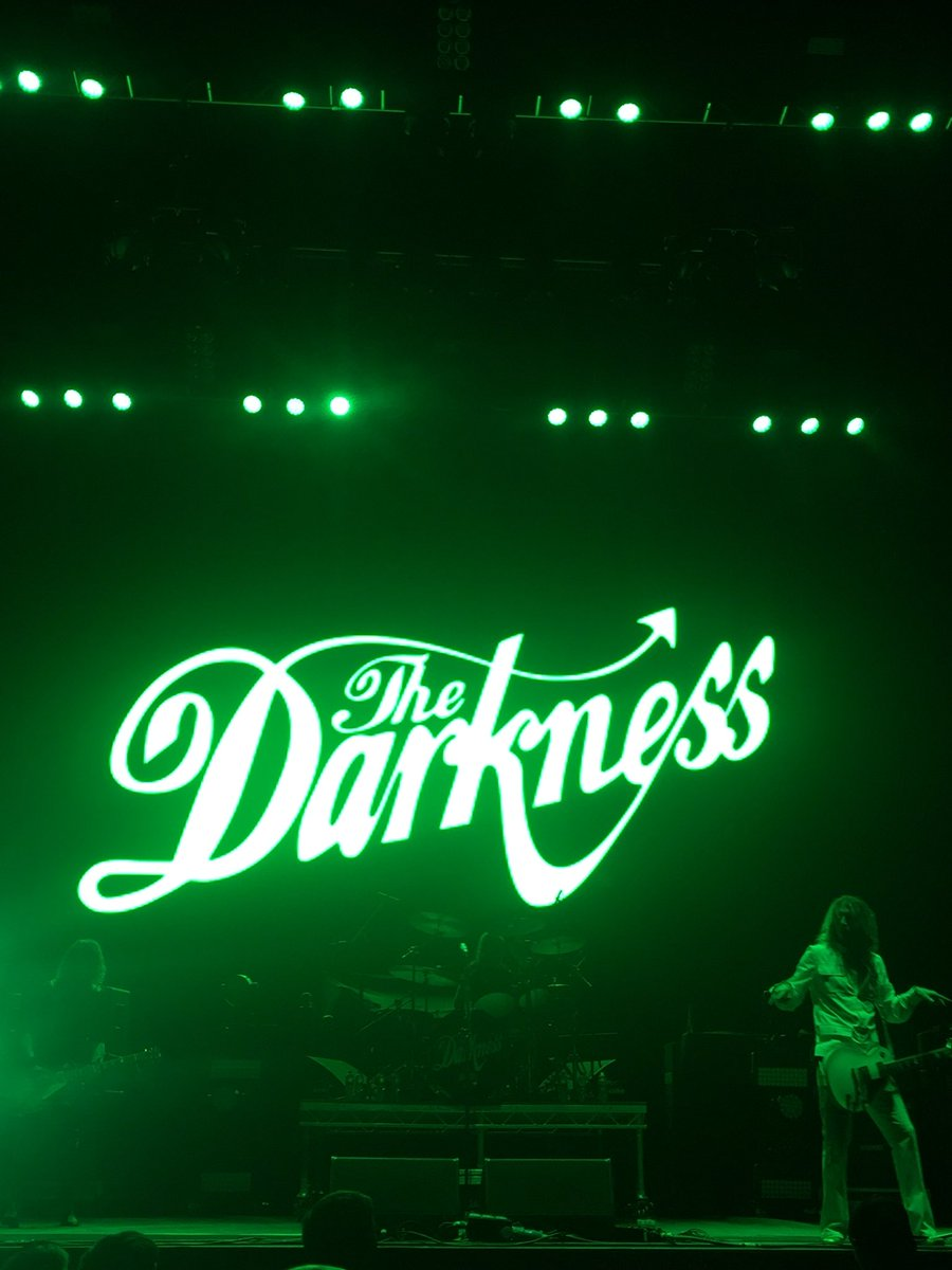 The Darkness were awesome tonight! @thedarkness @JustinHawkins