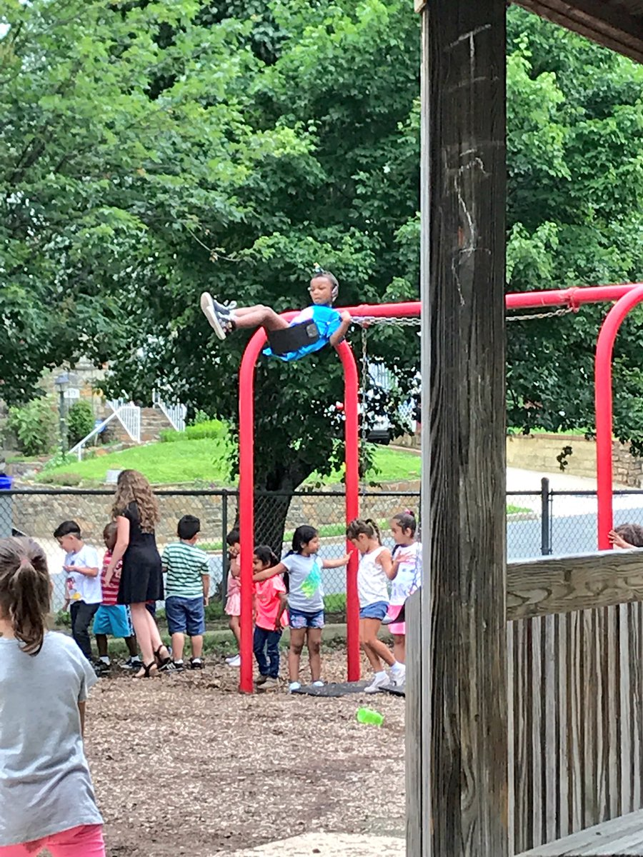 ...and that's a wrap.  High flying to kindergarten. ✌️<a target='_blank' href='http://search.twitter.com/search?q=hfbtweets'><a target='_blank' href='https://twitter.com/hashtag/hfbtweets?src=hash'>#hfbtweets</a></a> <a target='_blank' href='https://t.co/sd3BG0XYP5'>https://t.co/sd3BG0XYP5</a>
