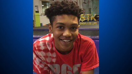 #BREAKING : Sources tell KDKA-TV that the police officer who killed 17 year old Antwon Rose was only sworn into the East Pittsburgh police force a few hours before the fatal shooting.https://t.co/stnXjtK9dW  #antwonrose